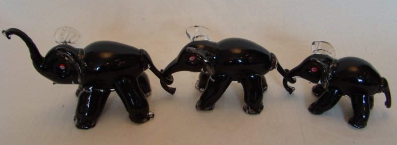 Murano Glass, Grouping of 3 Elephants with millefiori e
