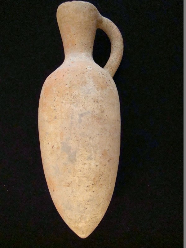 Pre Columbian, Colima Amphora, 1200 AD, minor age wear.