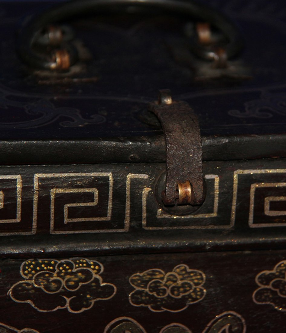 An Important Qing Rose Wood Lacquer Box - 7