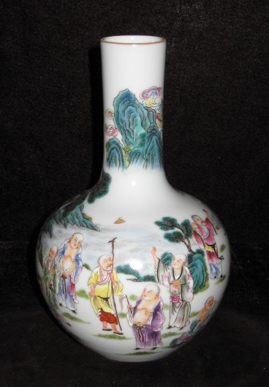 Chinese famille rose bottle porcelain vase