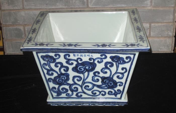Large Ming Chinese Blue and White Porcelain Flower Pot