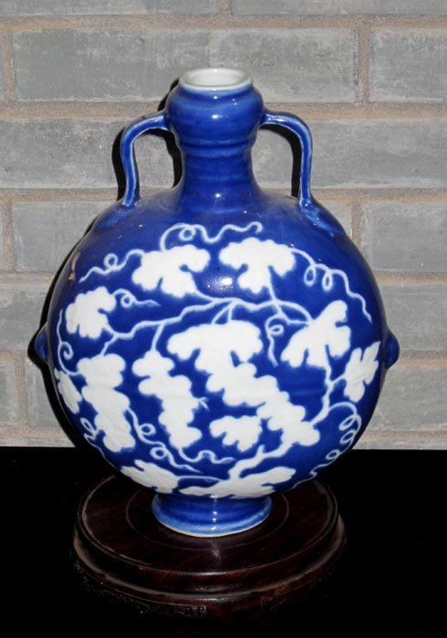 Fine Ming Chinese Blue and White Porcelain Vase