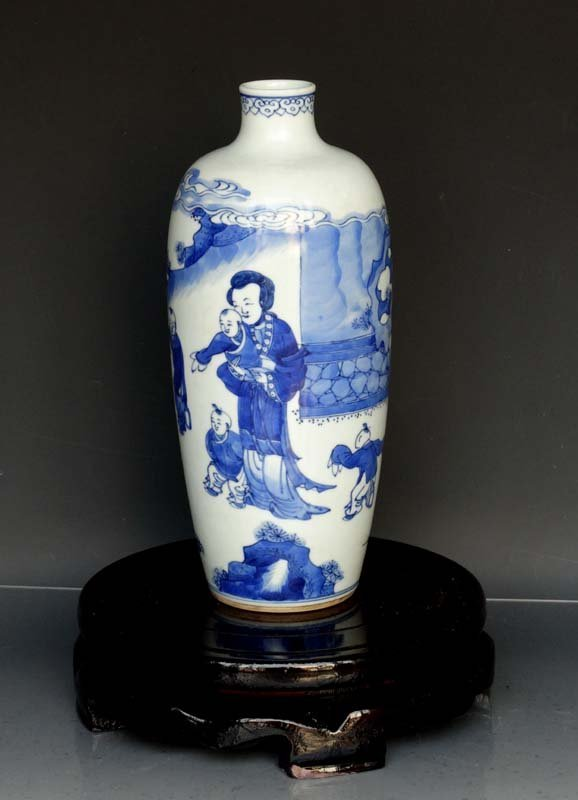 Fine Chinese Qing Blue and White Porcelain Vase