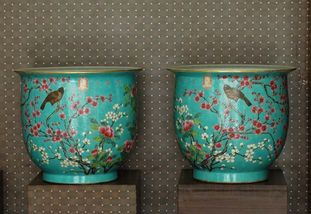 Large Pair Chinese Qing Famille Rose Porcelain Pots