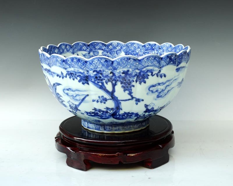 A Large Fine Chinese Ming Blue and White Porcelain Bowl