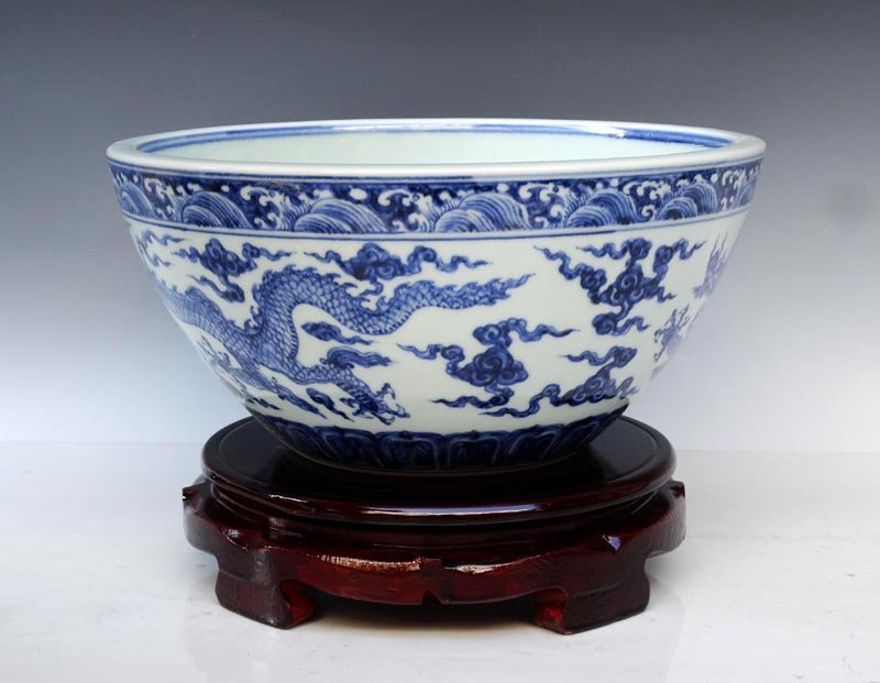 A Large Fine Chinese Ming Blue and White Porcelain Bowl - 2