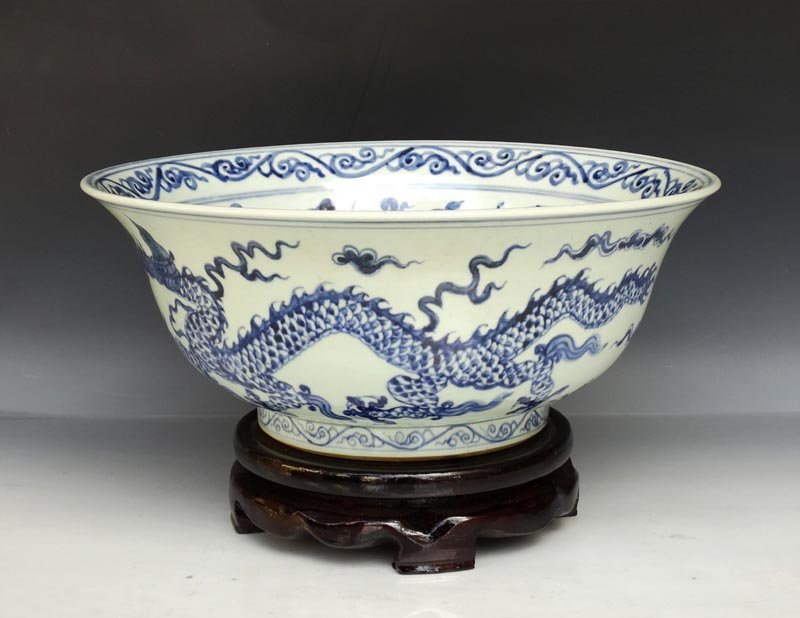 A Large Fine Chinese Qing Blue and White Porcelain Bowl