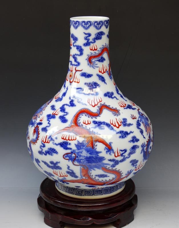 A Fine Chinese Qing B/W and Dou Cai  Porcelain Vase