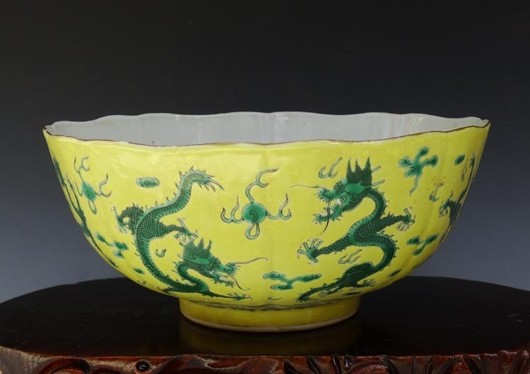 A Chinese Qing Nine Green Dragons Porcelain Bowl