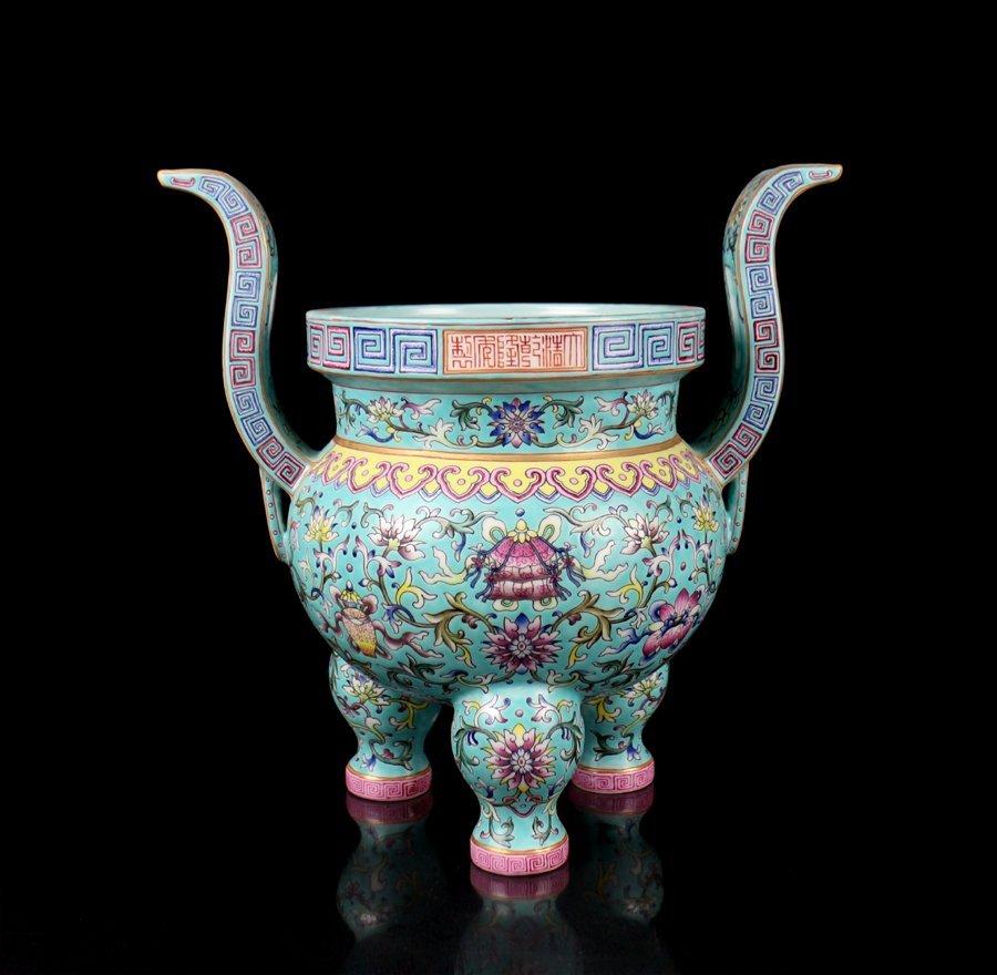 A Large Chinese Qing Famille Rose Porcelain Censer