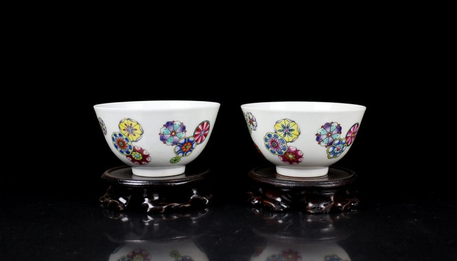 Pair Top Chinese Qing Famille Rose Porcelain Bowls