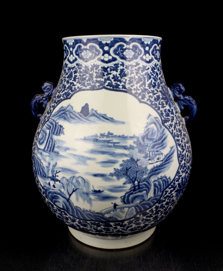 A Very Large Chinese Qing Blue White Porcelain Vase
