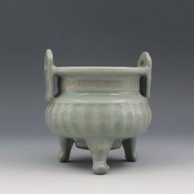 A Chinese Song Longqun Kiln Celadon Glaze Tripod Porcel