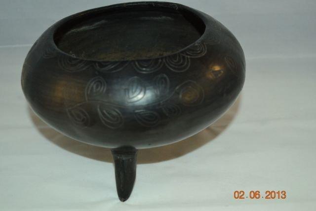 'Dona Rosa' Coyotepec Oaxaca Mexico  3 Legged Pot