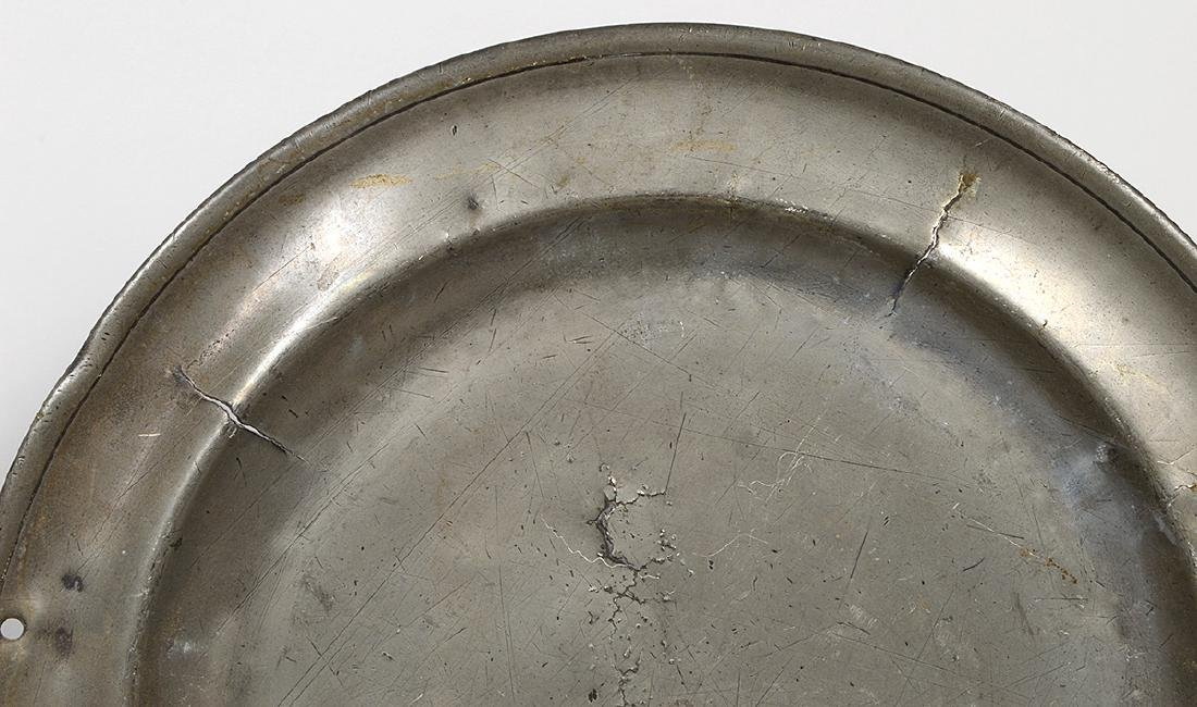 SIXTEEN GERMAN PEWTER CHARGERS, DISHES & BASIN - 3