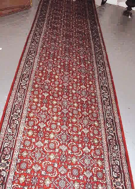 10: Persian Hand Knotted Runner. Very Good