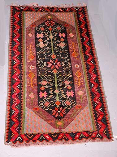 23: Hand Knotted Persian Rug. Good Condition