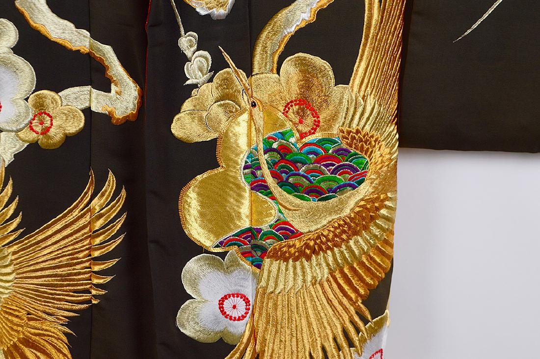 JAPANESE GILT EMBROIDERED CEREMONIAL KIMONO - 4