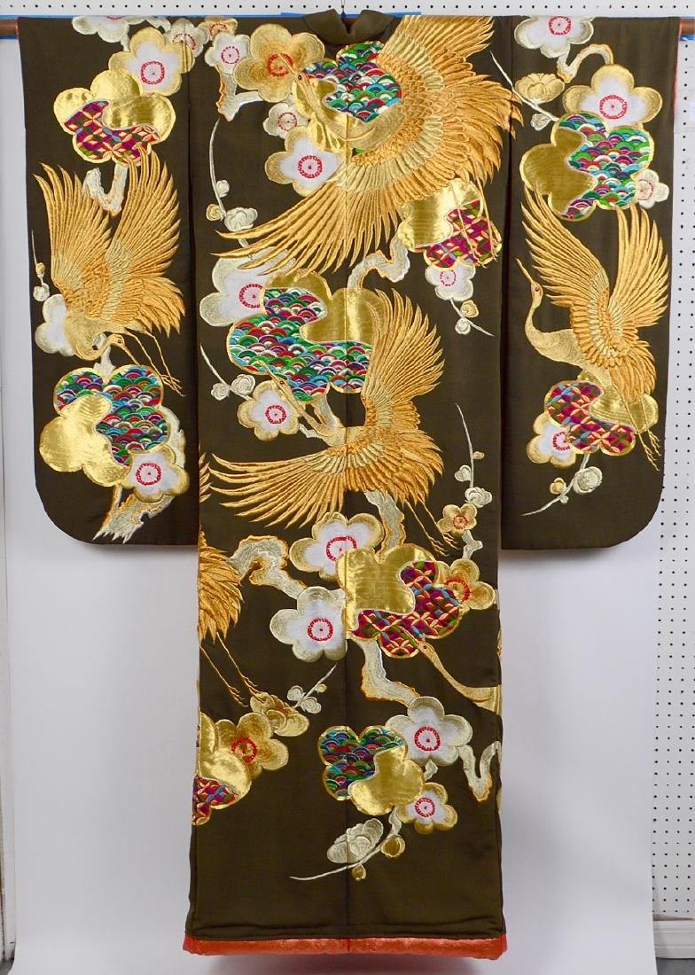 JAPANESE GILT EMBROIDERED CEREMONIAL KIMONO - 5