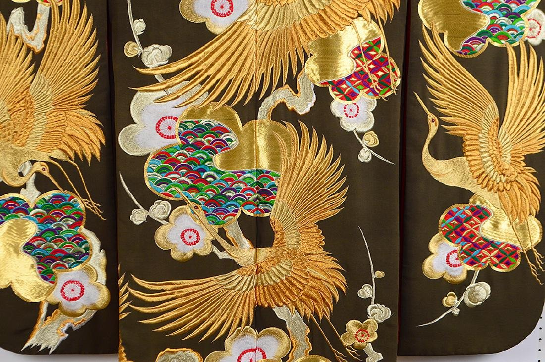 JAPANESE GILT EMBROIDERED CEREMONIAL KIMONO - 6