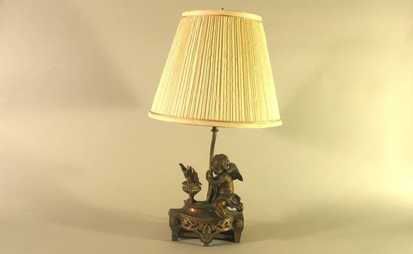 19: Bronze Cherub Footed Lamp with Flaming Urn