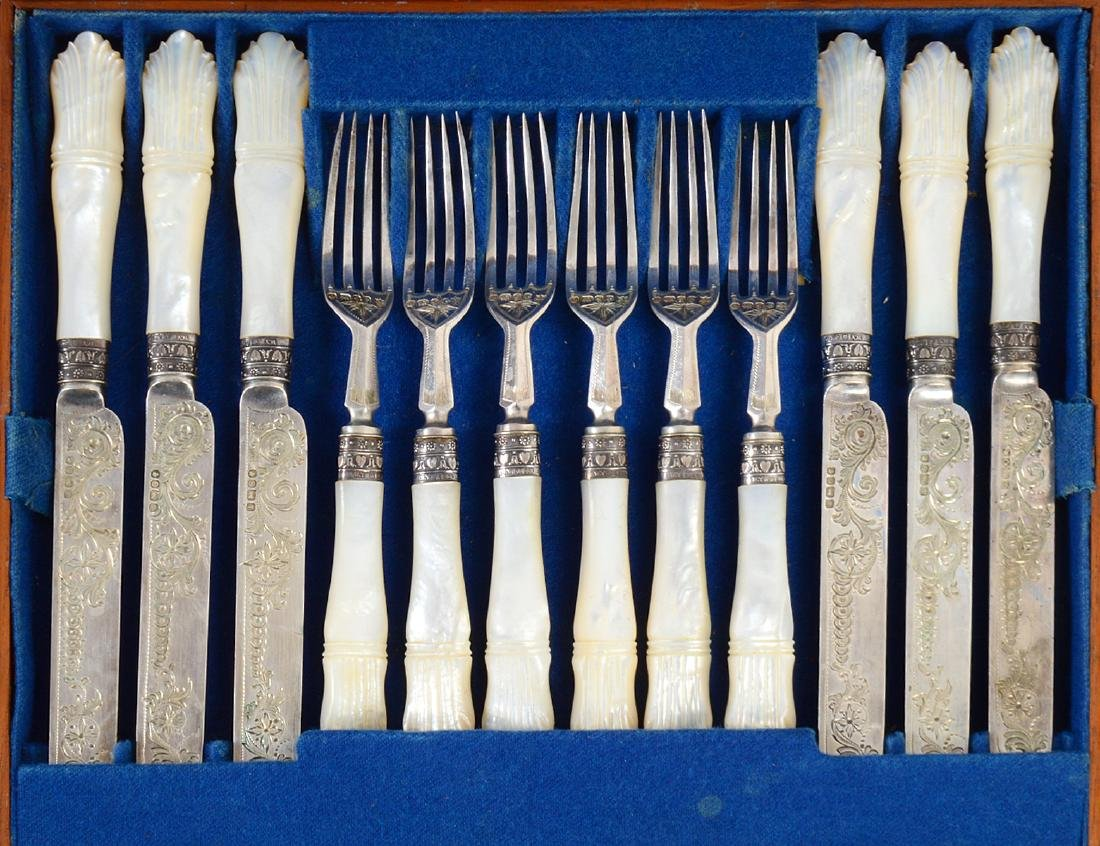 VICTORIAN SILVER & MOTHER-OF-PEARL FISH SERVICE