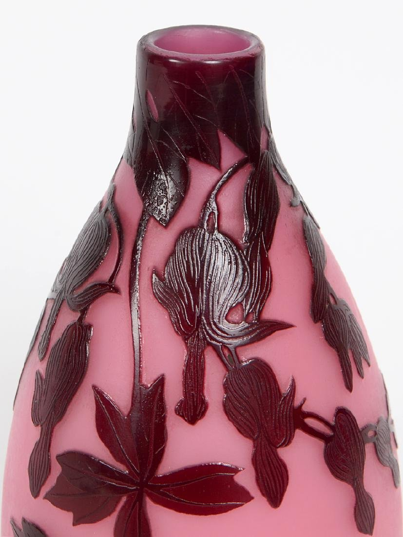 ANDRE DELATTE CAMEO CUT GLASS VASE - 2