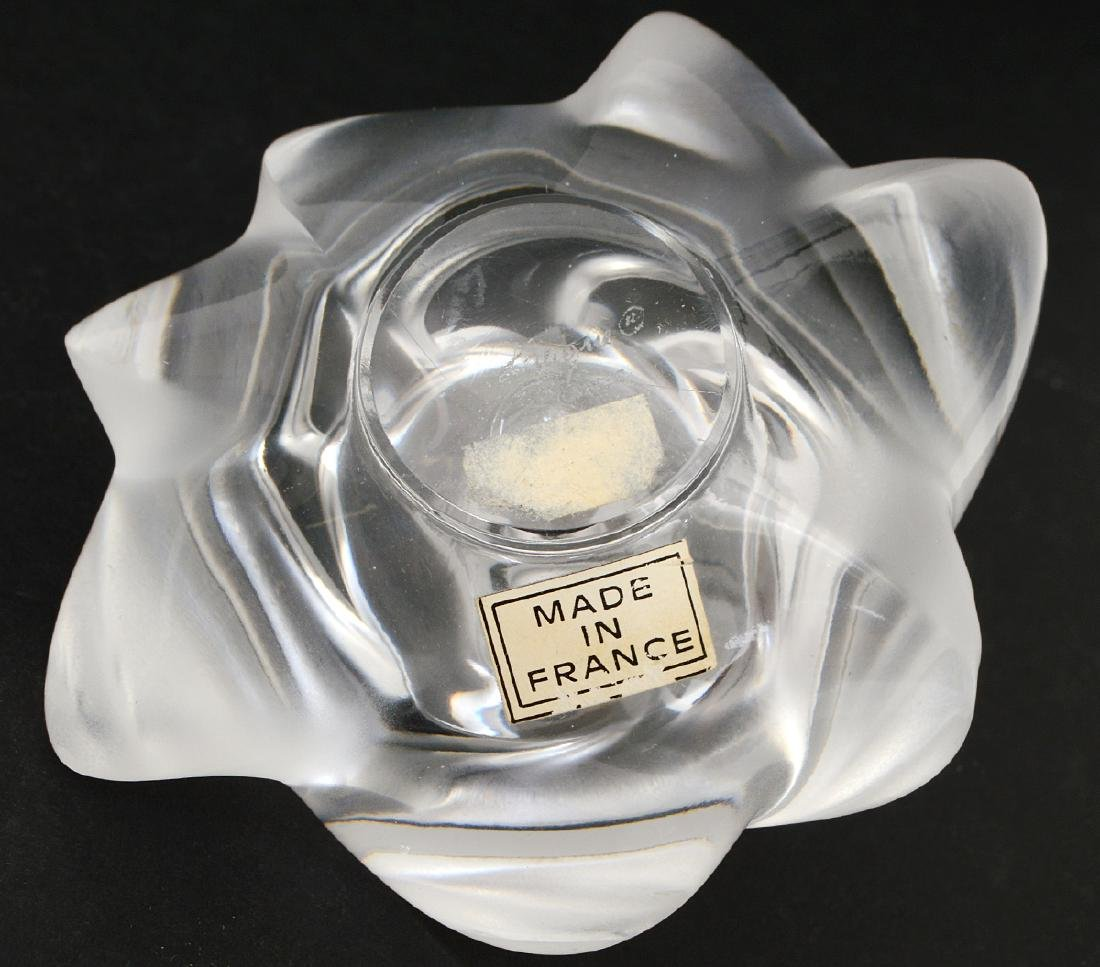 FOUR LALIQUE AND BACCARAT GLASS TABLE ITEMS - 10