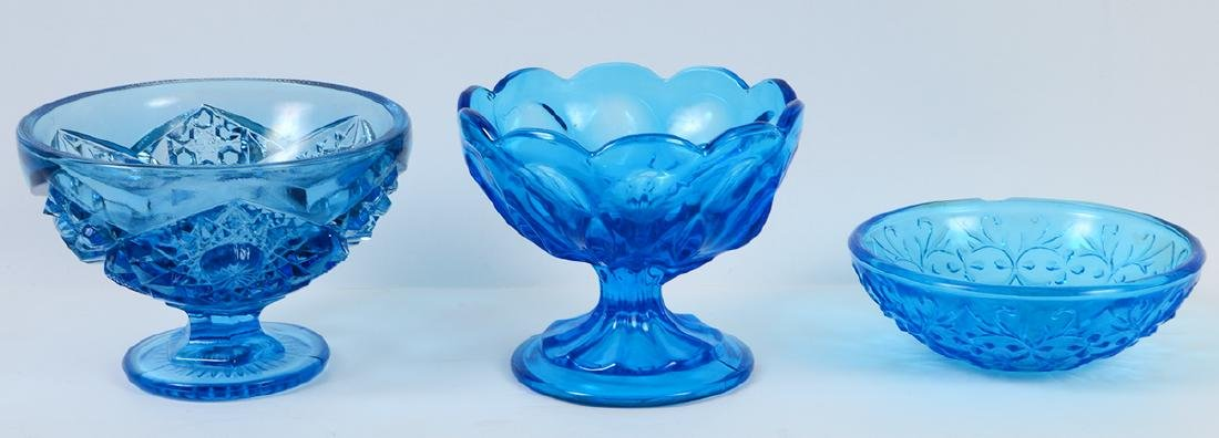 THIRTEEN MOLDED BLUE CARNIVAL GLASS TABLE ITEMS - 6