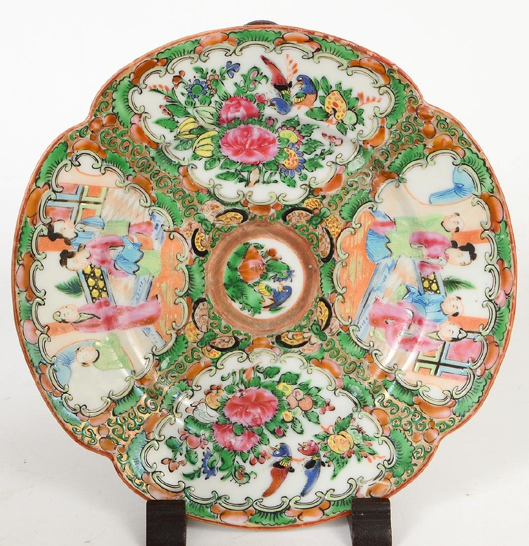 SIX CHINESE EXPORT PORCELAIN TABLE ITEMS - 2