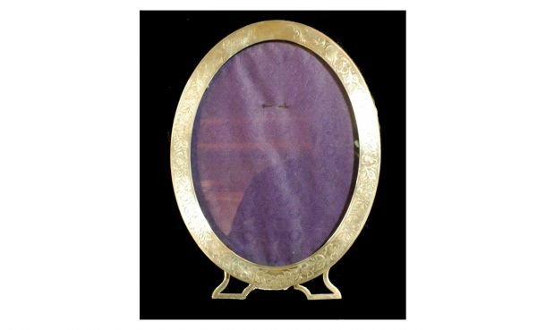 19: Sterling Silver Easel-Form Oval Picture Frame w