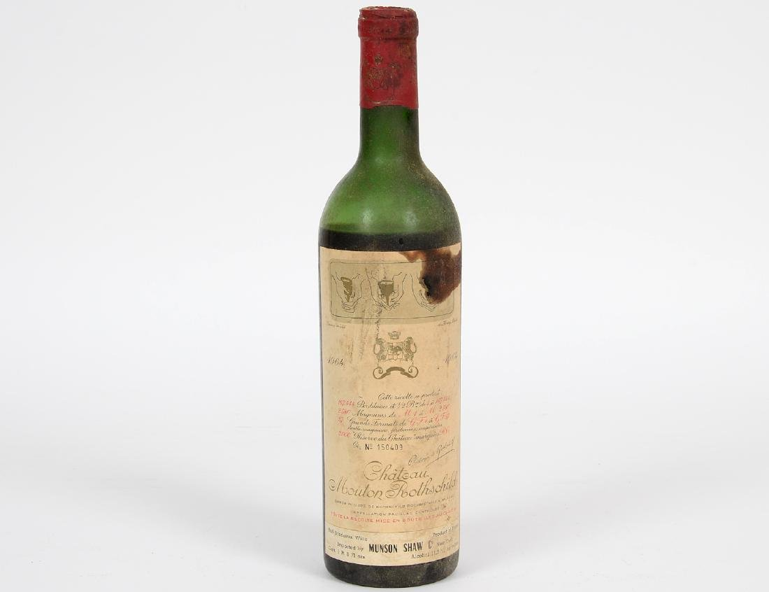 A FRENCH 1964 CHATEAU MOUTON ROTHSCHILD RED WINE BOTTLE