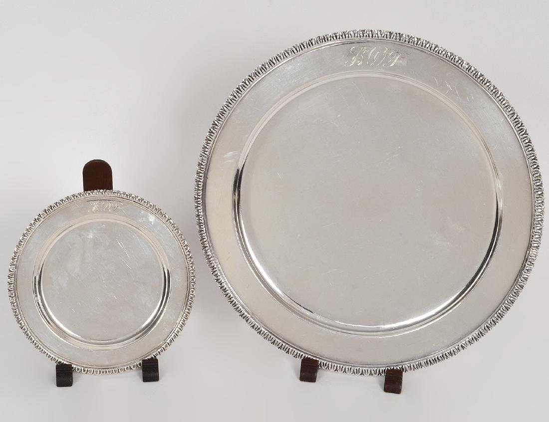 TWENTY-EIGHT MEXICAN STERLING SERVICE & BREAD PLATES