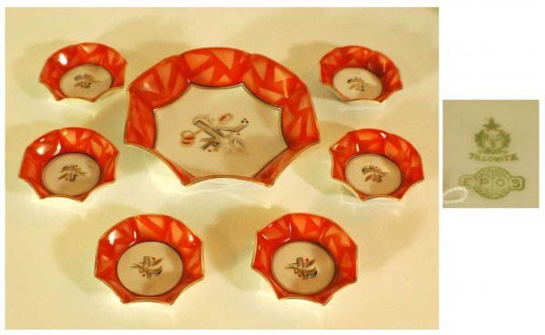 1008: Seven-Piece Hand-Painted Nut Set marked RS Tillow