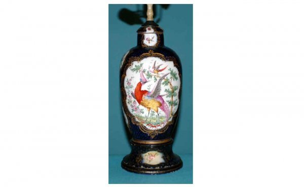 1018: Porcelain Table Lamp with Hand-Painted Exotic Bir