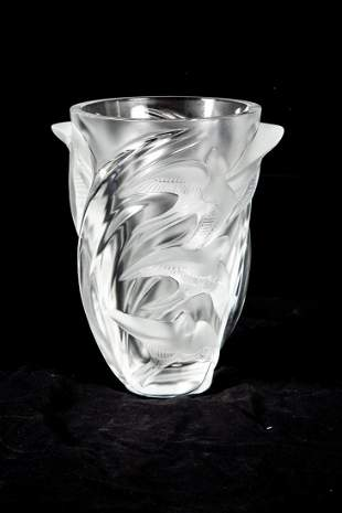 CONTEMPORARY LALIQUE GLASS MARTINETS VASE