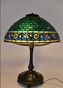 AMERICAN LEADED STAINED GLASS & BRONZE TABLE LAMP