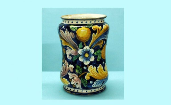 7: American Majolica Pottery Umbrella Stand with leaf a