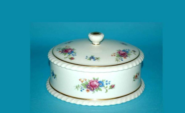 1004: Lenox Porcelain Covered Box with Floral Motifs