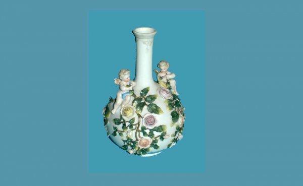 1013: German Porcelain Appliqué Bulb Vase