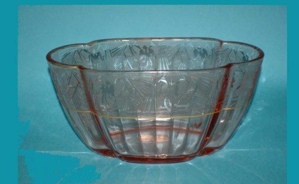 311: Art Deco Glass Etched Vase  (40/60)