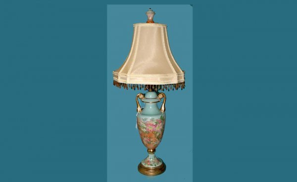 313: Hand Painted Porcelain Table Lamp  (60/80)