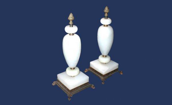 315: Pair alabaster Garnitures  (60/80)