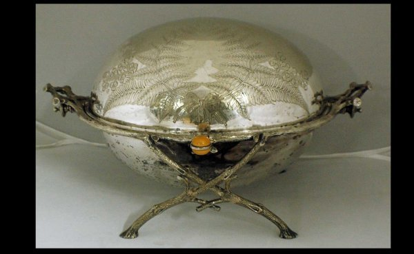 1019: English Silverplated Revolving Vegetable Server B