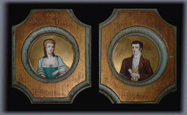 1021: Pair of Antique Small Round Portrait Paintings Ge