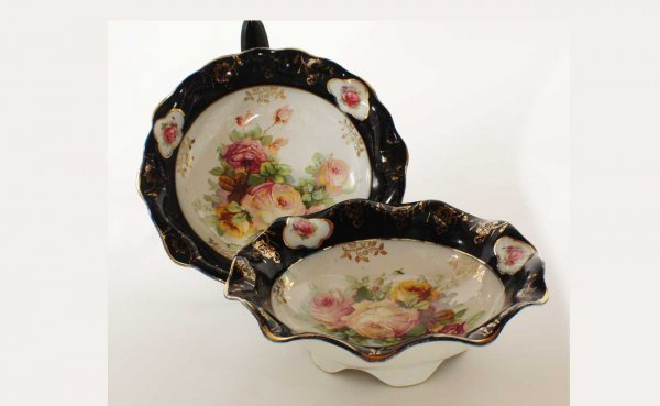 15: Pair Continental Porcelain Bowls with Roses Center.