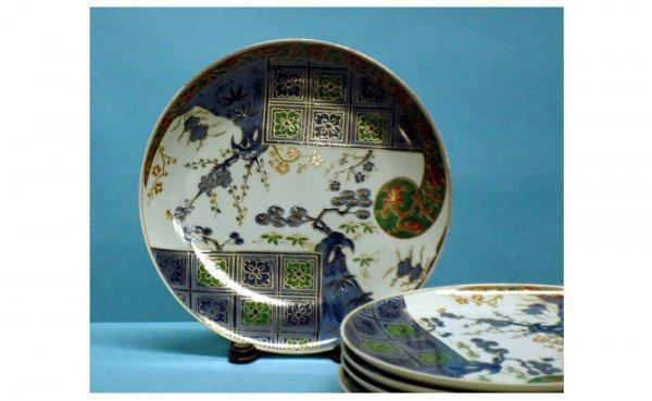 1006: 5 Imari style porcelain service plates. (40/60)