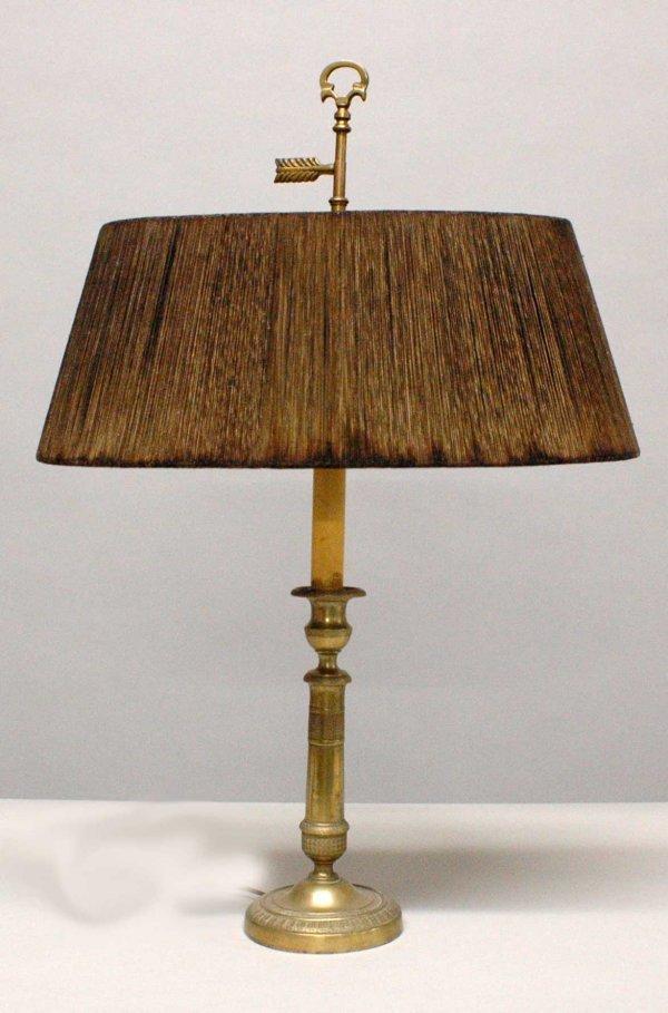 1014: Georgian style brass candlestick lamp. (80/100)