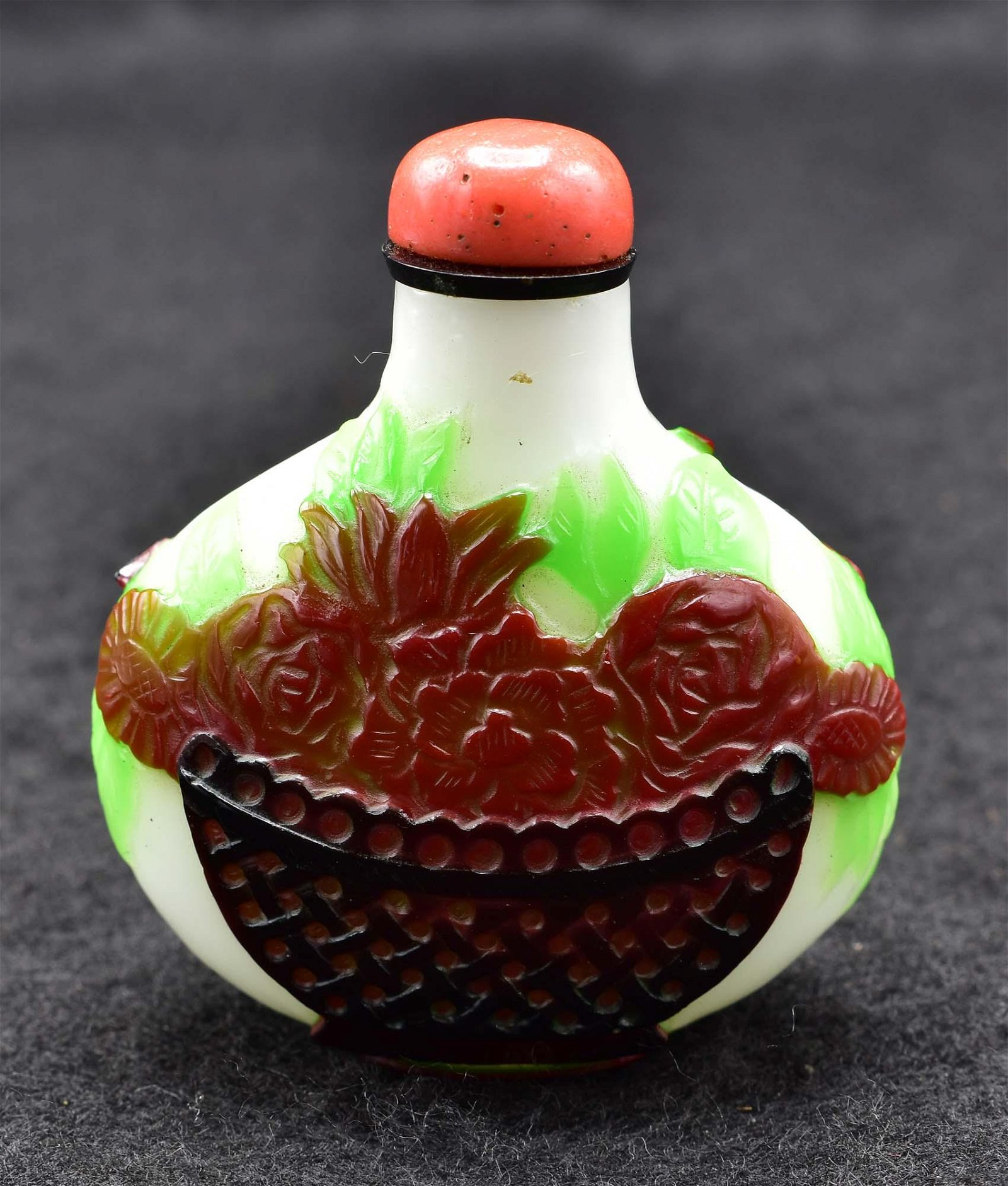 CHINESE THREE-COLOR PEKING GLASS SNUFF BOTTLE
