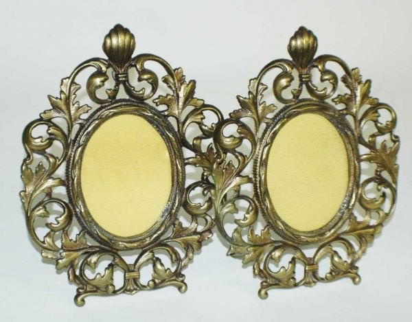 1012A: PAIR OF BRASS PHOTOGRAPH FRAMES